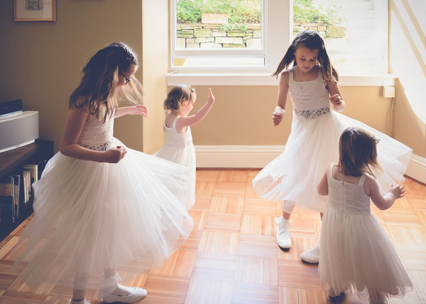 The flower girls dancing